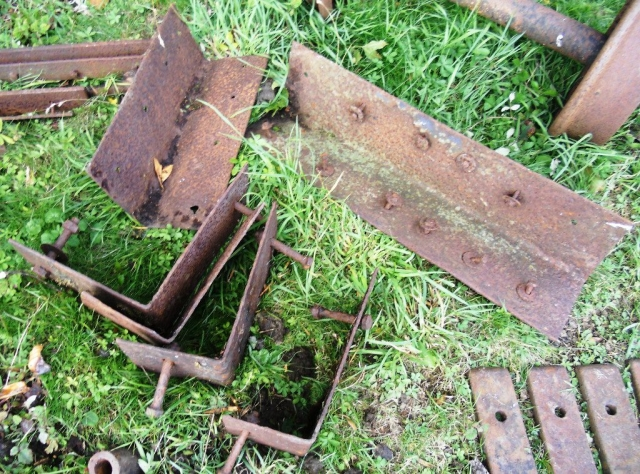 The recovered components of Long waggon No2 (3)